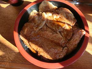 「松伊」の豚丼