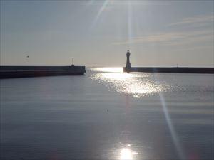 朝日がきれいな尾岱沼港