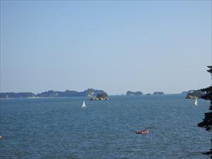 フェリー・ヨットが沢山の 松島湾