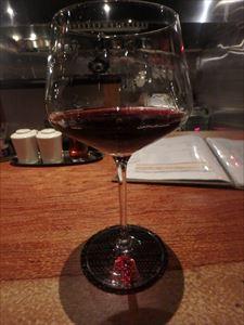フレッシュな香りの赤ワイン