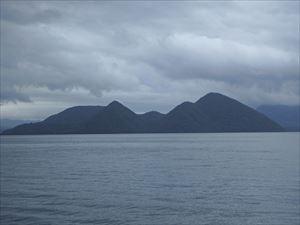 中島でしょうか、 それとも中の島?