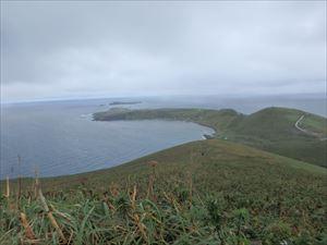 遠くにスコトン岬
