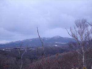 寒そうな室蘭岳