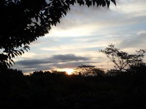 松前の朝日 少し曇っているので 写りはいまひとつか