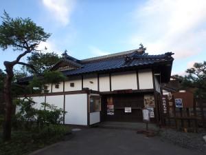 観光名所の 松前藩屋敷 ひっそりしている