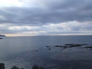 青森県の竜飛岬が見える