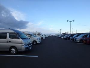 朝6時 松前の道の駅の駐車場は ほぼ満杯だった
