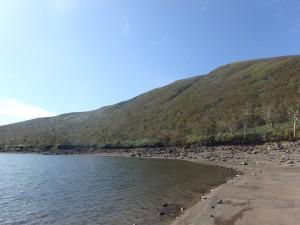 シャクナゲ岳方面 水がきれい ラジオを大きな音で 聞くおじさんがいた