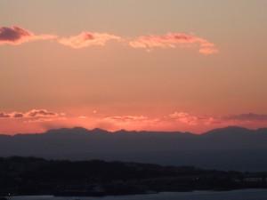 きれいな夕焼けに感動! 近くでカメラマン氏が一人 熱心に写真を撮っていた