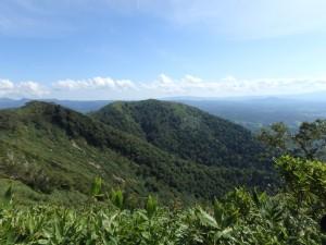 敏音知岳のすぐ隣の589峰
