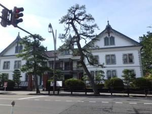 古くても立派な新潟県政記念館