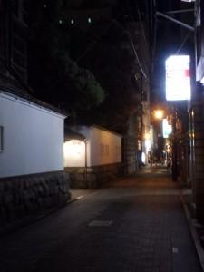 新潟古町の夜が更ける