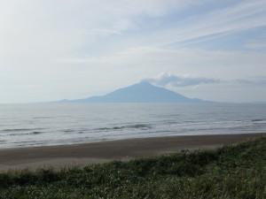 砂浜と利尻富士