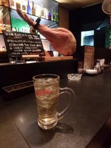 豚の生ハム「ぶーちゃん」 とハイボール