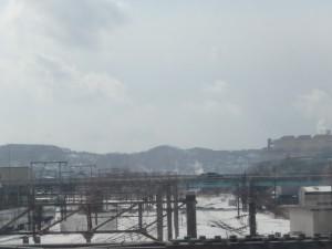 東室蘭駅から工場群を眺める