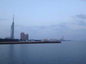 朝焼けの福岡タワー