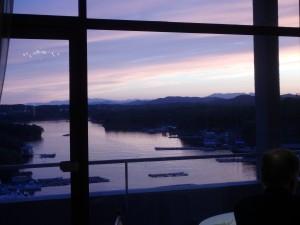夕焼け空を眺めながら 早めに就寝