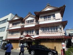 表参道の古い旅館
