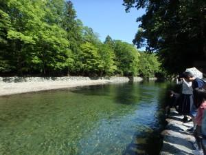 水がとてもきれいな五十鈴川