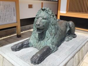 日本橋と同じライオンだ
