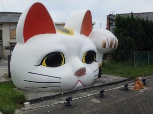 常滑の名物巨大猫