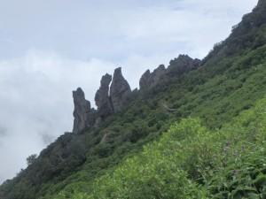 まねき岩だ、頂上が近い