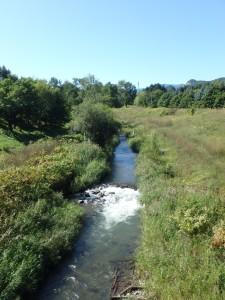 川を渡り サイクリングロードに入る