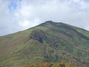 とがった頂の目国内岳