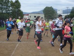 にこやかに走り抜ける ランナー達