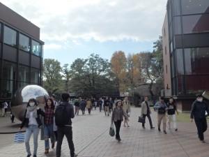 日曜日の上野はとても混んでいた