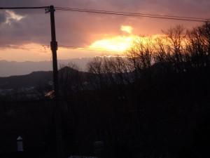 測量山と夕焼雲
