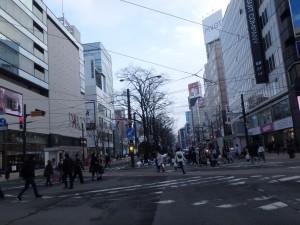 雪のない札幌の街中