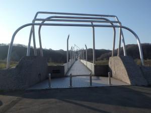 立派な歩道橋にびっくり
