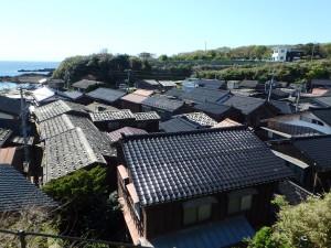きれいな屋根の集落