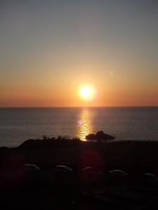感動的な夕日を拝んだ