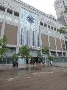 札幌駅前の水たまり