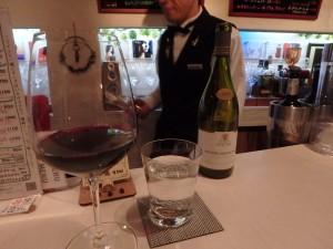 ワインを3杯いただく