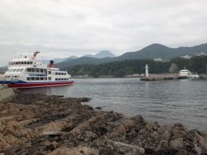 クルーズ船と知床連山