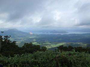 洞爺湖と昭和新山に有珠山
