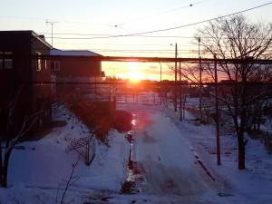朝7時に朝日を眺める