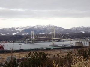 きれいな山と橋
