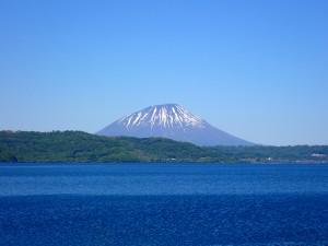 きれいな形の山
