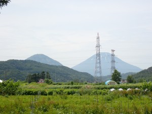尻別岳と羊蹄山が 夫婦のように見えました